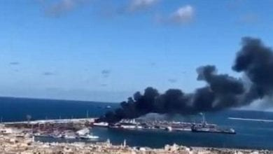 Photo of Turkish cargo ship carrying ammunition and weapons from Turkey was targeted by LNA in Tripoli port