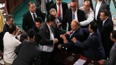 صورة دعوات لحل البرلمان التونسي ومحاسبة الغنوشي وتنظيم استفتاء