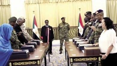 Photo of الأوبزرفر العربي يرصد خلافات واتهامات بين أطراف الحكم في السودان