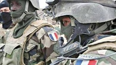 صورة القوات الفرنسية تنسحب من العراق