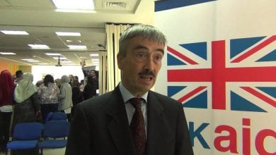 صورة لماذا يتحالف السفير البريطاني السابق في ليبيا مع الإخوان؟