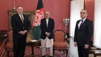Photo of Pompeo fails to convince Afghan President Ashraf Ghani and his political foe to end a feud, US cuts aid to Afghanistan by $1 billion