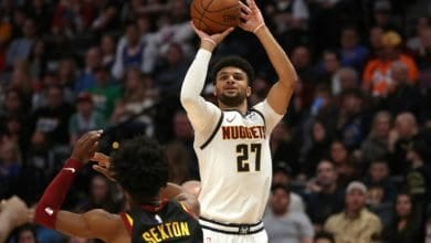 Photo of Third straight for loss Bucks as Nuggets win