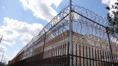 صورة كوفيد-19 يغزو أكبر سجن في ولاية شيكاغو الأميركية ويصيب المئات