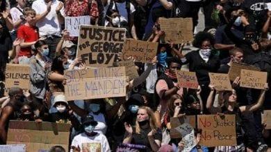 صورة شعوب العالم تتضامن مع انتفاضة الشعب الأمريكي ضد العنصرية