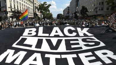 صورة الشعب الأمريكي يواصل انتفاضته ضد العنصرية