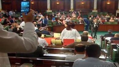 صورة هتافات تحت قبة البرلمان التونسي ضد أخونة المؤسسة