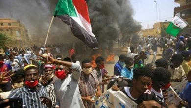Photo of Thousands of Sudanese Rally for Faster Reform After Bashir Ouster