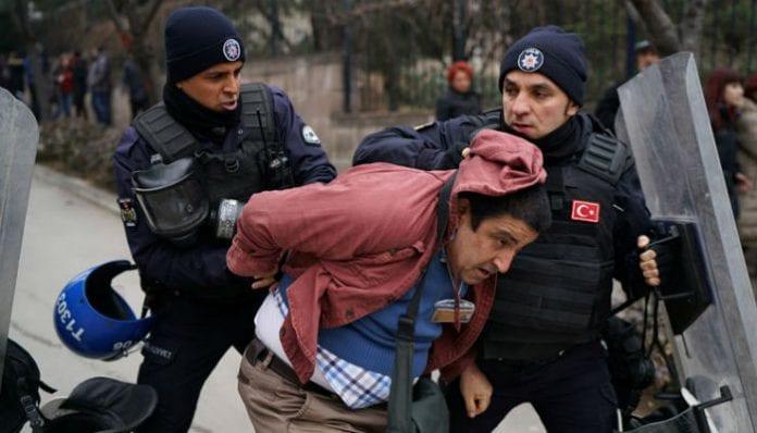 اعتقال صحفيين