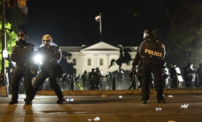 انتفاضة الامريكيين ضد العنصرية