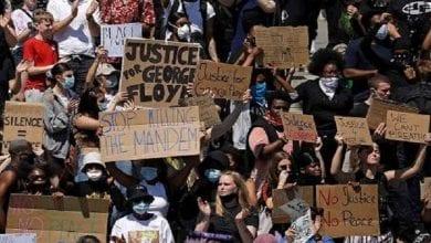 Photo de Manifestations dans le monde entier contre le racisme