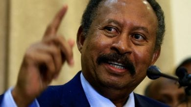صورة عبد الله حمدوك يجري تعديلاً وزارياً على الحكومة السودانية