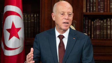 صورة الرئيس التونسي: لا يمكن أن يكون للدولة دين