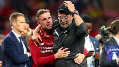 صورة مدرب ليفربول يبكي