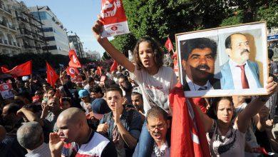 صورة الرئيس التونسي: الدولة ستوفر كل إمكانياتها لكشف حقيقة اغتيال محمد البراهمي وشكري بلعيد