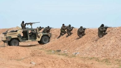 Photo of Tunisian military shoot at vehicles crossing illegally from Libya
