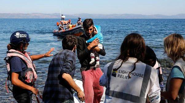 عشرات الأتراك يطلبون اللجوء السياسي