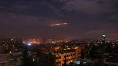 Photo de Des hélicoptères israéliens frappent des positions de l'armée syrienne