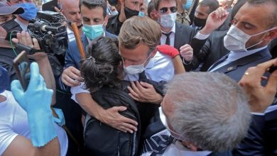 Photo de Macron arrive au Liban et inspecte le port de Beyrouth
