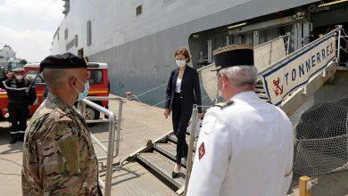 Photo de Le porte-hélicoptères français Tonnerre arrive au port de Beyrouth
