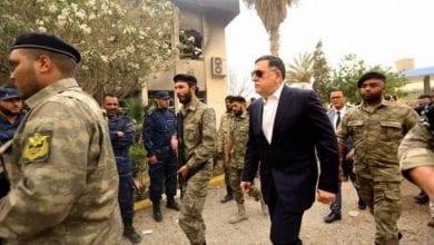 Photo de Le gouvernement d'Al-Sarraj annonce un cessez-le-feu immédiat en Libye