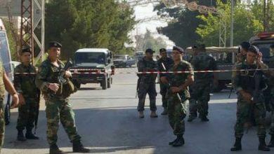 صورة الجيش اللبناني يخلي المباني الحكومية من المتظاهرين