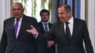صورة القاهرة تؤكد مع موسكو ضرورة تفكيك الميليشيات وخروج الأجانب من ليبيا