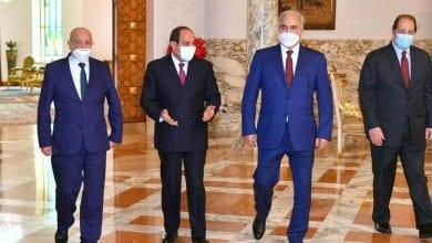 Photo de Al-Sissi rencontre Aguila Saleh et le maréchal Khalifa Haftar