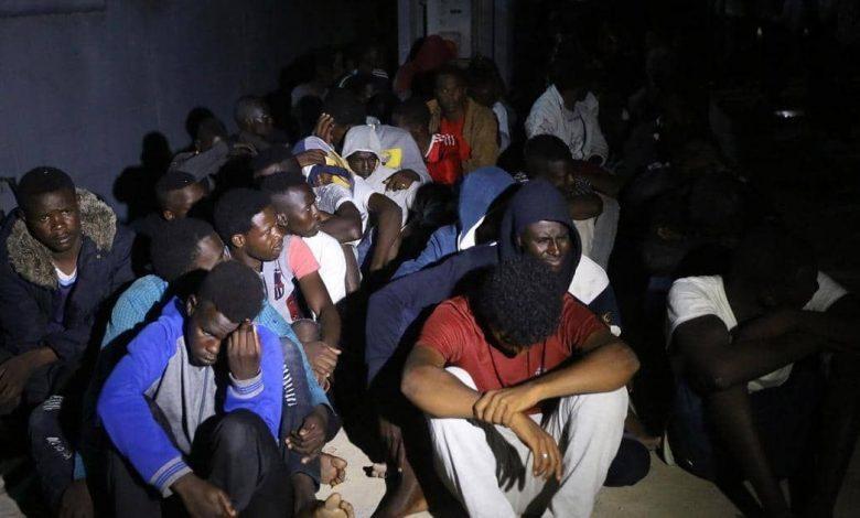 ميليشيات السراج في طرابلس تختطف 60 مهاجراً