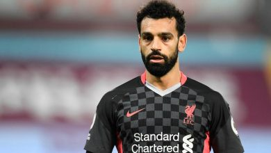 Photo of Liverpool's Egyptian superstar Mohamed Salah hailed a 'hero' after helping homeless man