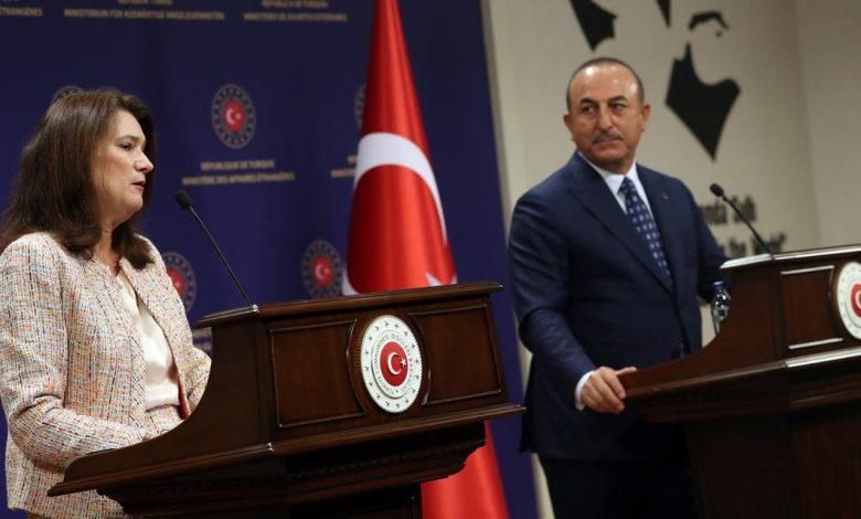 السويد تتهم أنقرة بالمسؤولية عن تقسيم سوريا واضطهاد الأكراد