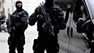 Photo de Les forces de sécurité tunisiennes arrêtent un homme pour vérifier leur lien avec l'attaque de Nice