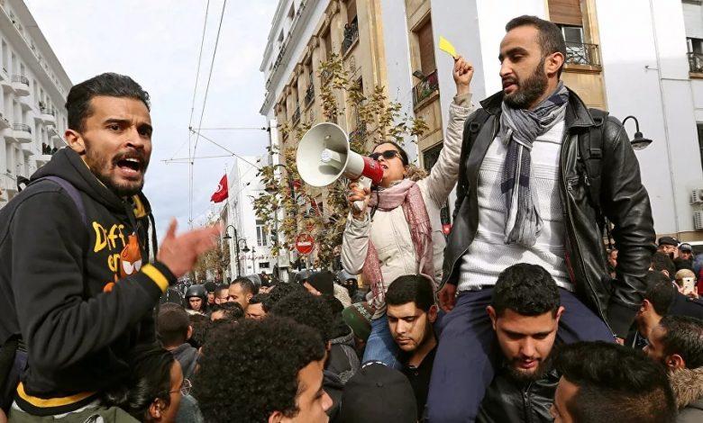 احتجاجات في تونس بسبب وفاة طبيب