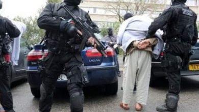 فرنسا تطرد 66 متطرفاً عن أراضيها