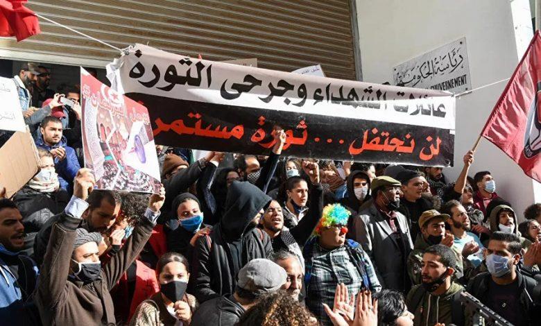 Photo de Tunisie: une manifestation de masse pour libérer les détenus et au renversement du régime