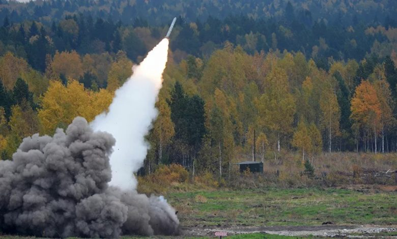 Une attaque à la roquette