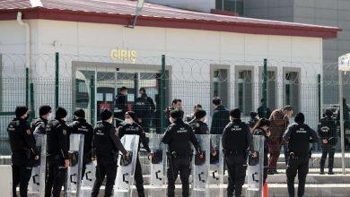 النظام التركي يصدر أحكاماً بالسجن المؤبد على 22 عسكرياً