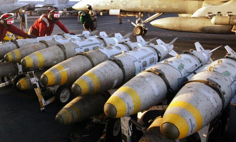 البيت الأبيض يوافق على تزويد إسرائيل بأسلحة وذخائر عالية الدقة