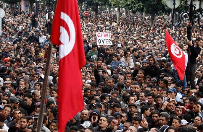 تظاهرة حاشدة ضد هيمنة الإخونجية على البرلمان التونسي